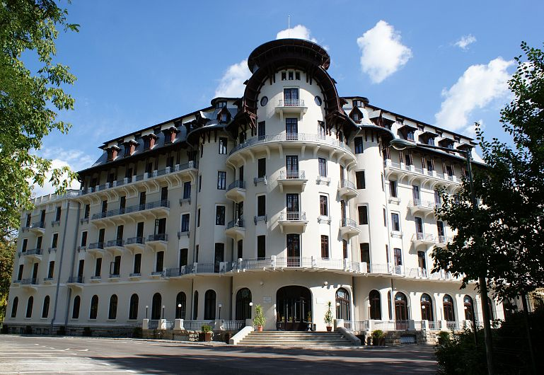 Hotelul  Palacedin stațiunea Băile Govora, unde vor fi cazați fotbaliștii echipei CSM Focșani 2007, pe perioada pregătirii centralizate de iarnă, care a început luni 27 ianuarie 2020 și va dura 12 zile