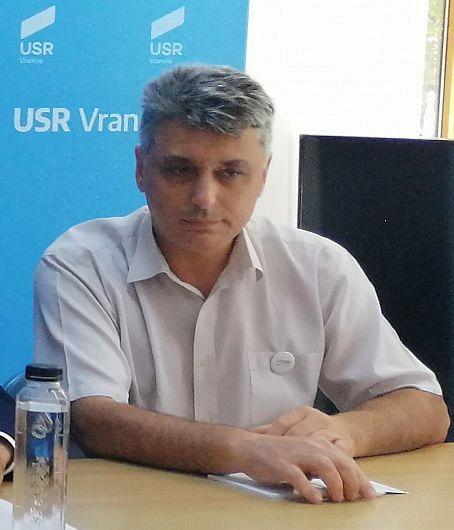 Ppreședintele USR Vrancea, consilierul județean Mihăiță Lepădatu a fost sancționat cu suspendarea din funcție din cauza hotărârii cu voucherele cadou de 200 lei din CL Focșani