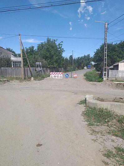 Foto Viticultorii au probleme pe drumurile administrate de Consiliul Județean Vrancea