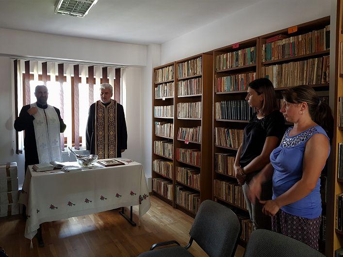 "Foto 2. Sluba de sfințire a Bibliotecii ""Ion Baciu"""