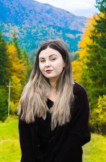 Ruxandra Dobre s-a făcut remarcată în anii de liceu prin activitatea din cadrul Consiliului Şcolar şi Consiliului Judeţean al Elevilor