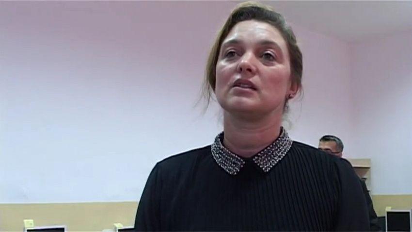 """Foto:prof. Adela Potop, directorul Liceului """"Simion Mehedinţi"""", din comuna Vidra"""