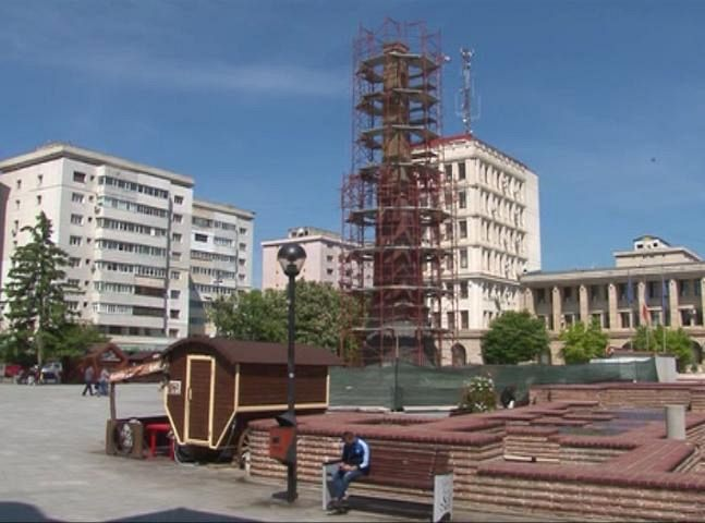 FOTO: Obeliscul se află de 2 ani în reparații