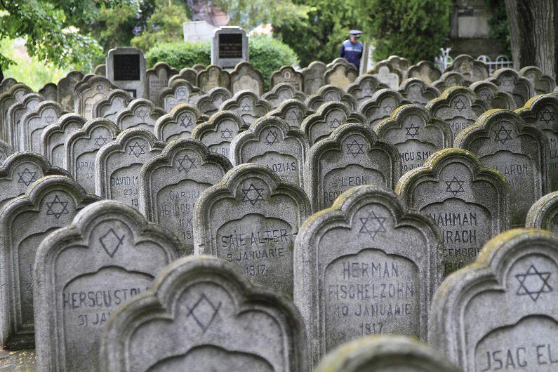 Cimitirul evreiesc din Iași