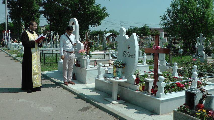 Serviciul religios a fost oficiat la mormântul din cimitirul nordic