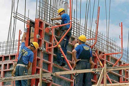 Inspectoratul Teritorial de Munca Vrancea a desfășurat în perioada 20 – 22 iulie 2020Campania naţională privind identificarea și combaterea cazurilor de muncă nedeclarată la angajatorii care își desfășoară activitatea în domeniul construcțiilor .Inspectorii de muncă din județul Vrancea angrenați în desfășurarea acestei campanii au efectuat 8 acțiuni de control în urma cărora au fost constatate 18 de neconformități față de prevederile legale aplicându-se 6 sancțiuni contravenționale în valoare totală de 44.500 lei .Foto:arhiva ZdV.Credit foto:Arena Construcțiilor