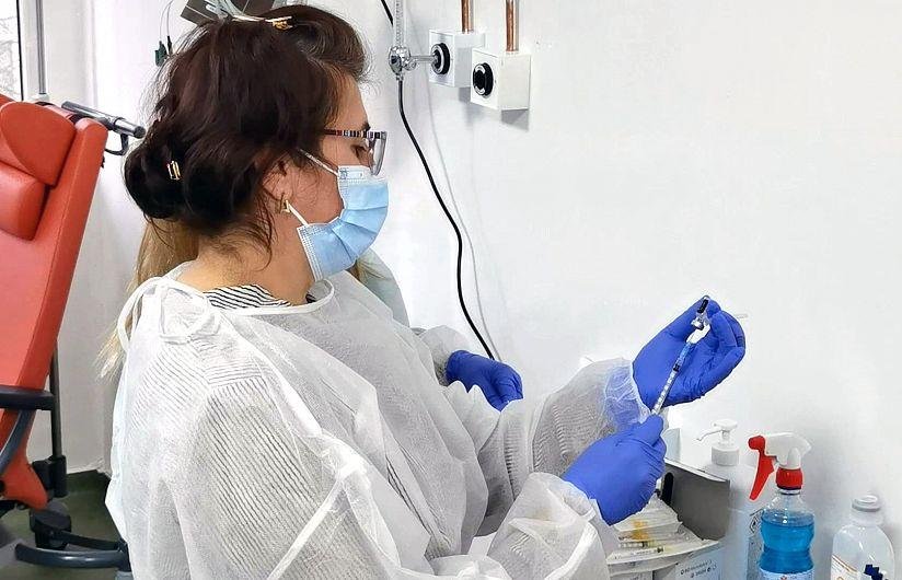 6686 de persoane s-au vaccinat în Vrancea, împotriva COVID-19, în perioada 4-24 ianuarie. Sursă foto: DSP Vrancea