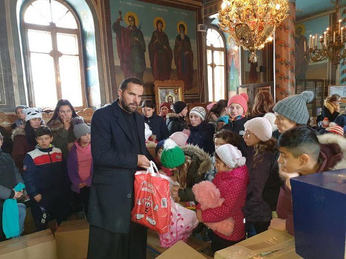 Marian Tudor, preotul-părinte pentru zeci de copii și familii sărmane-Foto:elitaromaniei.ro