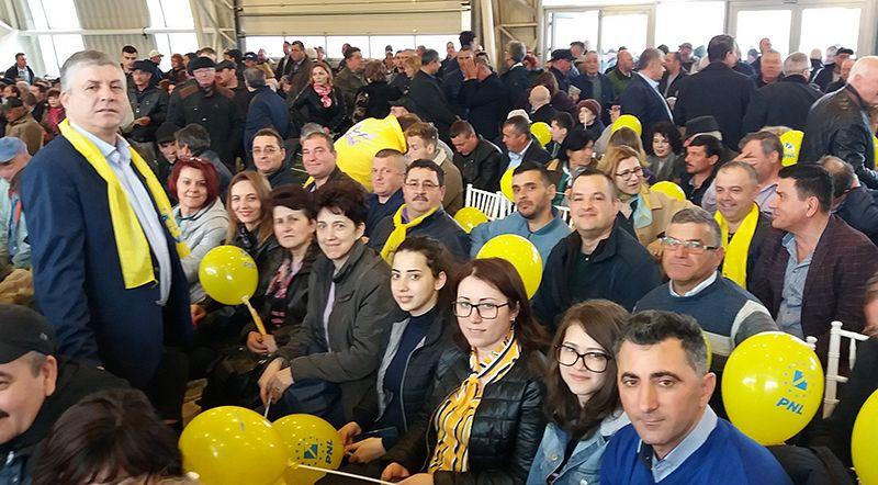 FOTO: Fănică Popa, alături de colegii consilierii PNL
