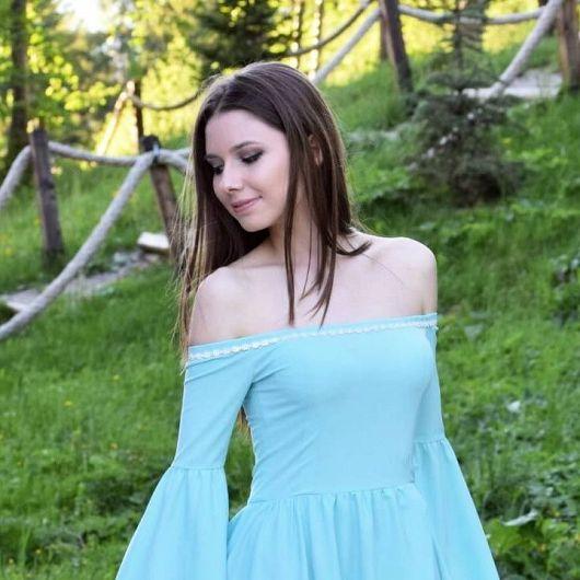 Foto,Alexandra Iancu,absolventă a Colegiului Național Unirea Focșani a luat examenul de Bacalaureat, sesiunea iunie -iulie 2018, cu media 10