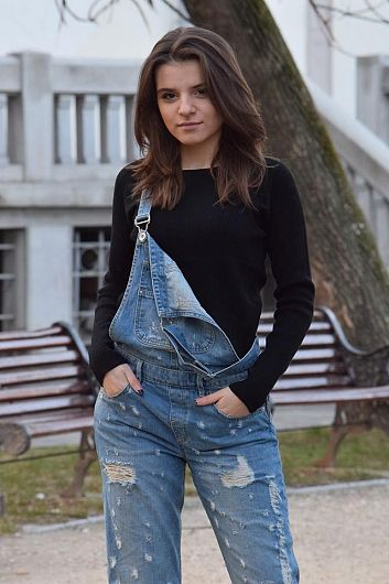 Foto,Bianca Elena Marin,absolventă a Colegiului Național Unirea Focșani a luat examenul de Bacalaureat, sesiunea iunie -iulie 2018, cu media 10