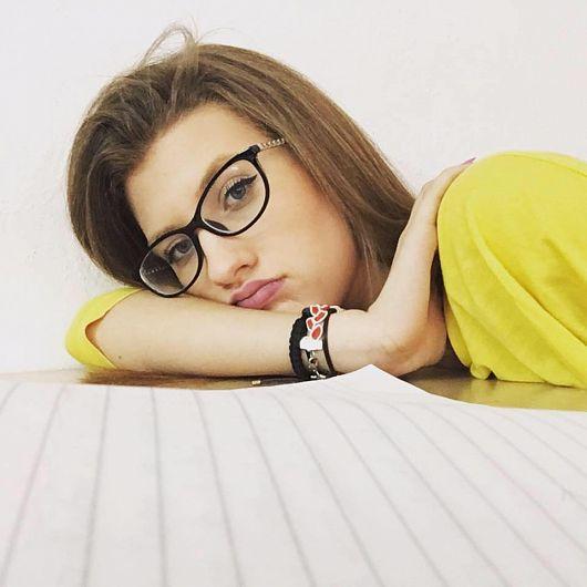 """FotoAlina Andreea Ardeleanu,absolventă aColegiului Național """"Al. I. Cuza"""" Focșania luat examenul de Bacalaureat, sesiunea iunie -iulie 2018, cu media 10"""