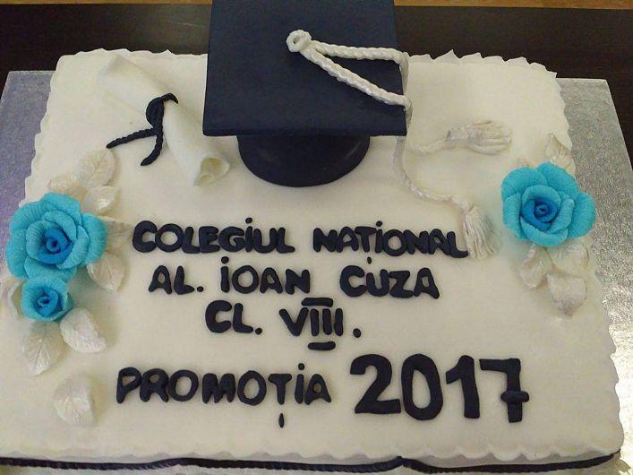 Clasa VIII-promoția 2017 -Colegiul Cuza Focșani.În galeria foto sunt postate mai jos 4 fotografii.Pentru a viziona toate fotografiile din galerie dați clik pe poza principală și apoi folosiți săgețile laterale