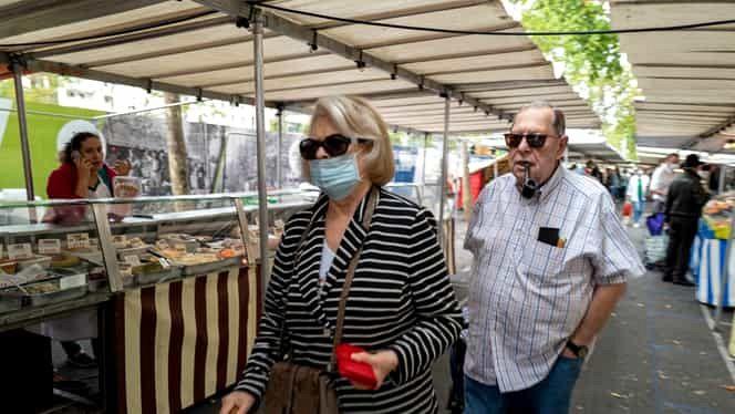 S-a hotărât instituirea în Vrancea începând cu 1 august 2020 a obligativității purtării măștii de protecție în spațiile publice deschise aglomerate.Foto:arhiva ZdV,Credit foto:Fanatik