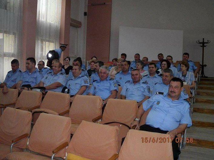 Polițiștii locali au fost testați de primar