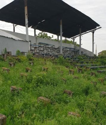 Foto:Stadionul Tineretului este în paragină