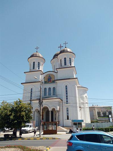 Biserica cere teren pentru casă praznicală și clopotniță