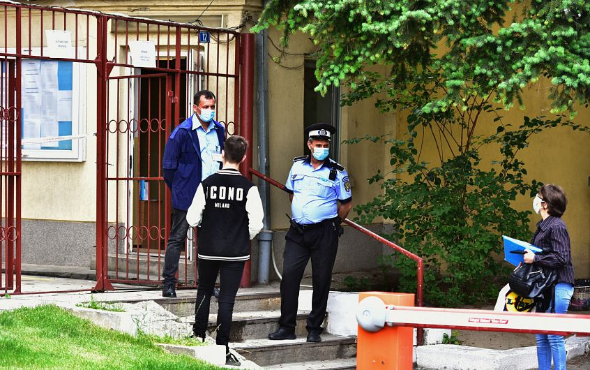 Un candidat, din județul Vrancea a fost eliminat pentru tentativă de fraudă la cea de a doua probă a examenului de Evaluare Națională.Foto:arhiva ZdV-credit foto:Stirile Pro TV