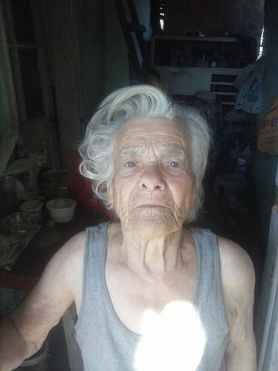 Tanti Tinca în vârstă de 90 de ani din satul Pățești, în prezent cartier Unirea, oraș Odobești are una din ultimele dorințe ale vieții sale.Să o ajute autoritățile care o pot face în în obținerea unui container modular în care să poate locui la iarnă.