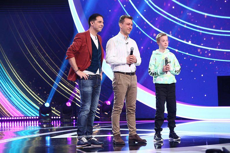 Micul artist focșănean Vlad Negoițăa dansat la ediția de sâmbătă 3 iulie 2021 alături de trupa de la Next Star, iar jurații au rămas profund impresionați de povestea lui extraordinară de viață, după ce au vorbit cu acesta și cu tatăl său.Foto:a1.ro