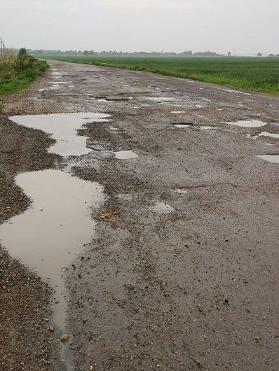 Foto:Drumurile Comunei Garoafa