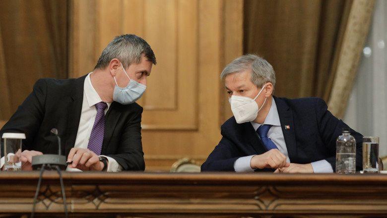 Vicepremierul Dan Barna și Dacian Cioloș, cei doi copreședinți ai Alianței USR PLUS. Foto: INQUAM Photos/George Călin