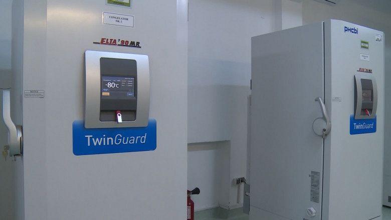 Congelator care asigură temperaturi de -80 de grade Celsius. Sursa foto: MApN