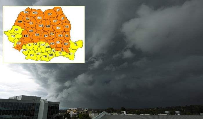 În intervalul13 iunie 2020, ora 11:00 – 16 iunie 2020, ora 10:00 în județul Vrancea și-n alte zone ale țăriivor fi perioade cu instabilitate atmosferică accentuată, ce se va manifesta prin frecvente descărcări electrice, averse torențiale, grindină și vijelii. Cantitățile de apă vor depăși 25...30 l/mp și pe arii restrânse 40...60 l/mp.Foto:arhiva ZdV credit foto:Observator