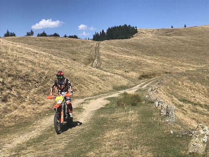 Foto:Vrancea neștiută-Munții Vrancei-cu motocileta prin munți 2