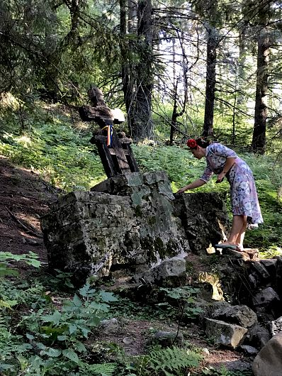 Foto:Vrancea neștiută-Munții Vrancei-Fântana lui Ferndinand