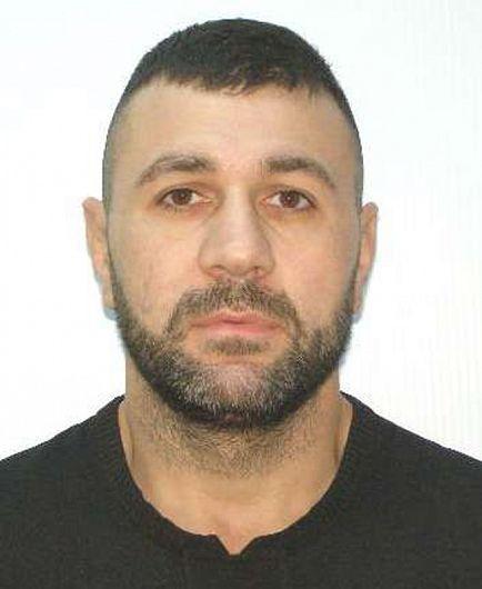 Conform site-ului politiaromana.ro  vrânceanulAdrian Lucian Preda, cu domiciliul în Focșani este dat în urmărire internațională