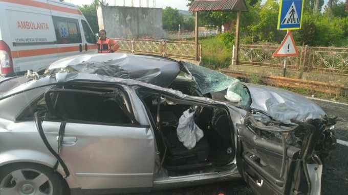 Autoturismul condus de focșăneanul  mort în accidentul de duminică 20.05.2018 ,dimineața, pe DN 2A, în judeţul Constanţa-foto ISU Constanța