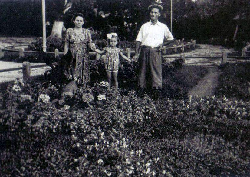 Grădina Publică din Focșani - grădinarul și familia